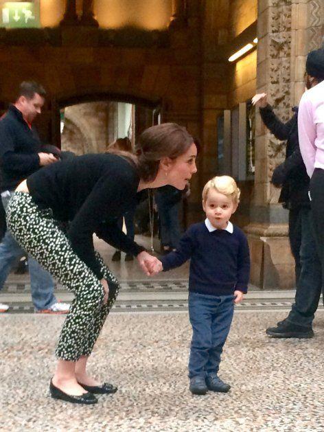 Beinah unerkannt unternahmen Herzogin Kate und Söhnchen George einen Mama-Sohn-Ausflug ins Museum.