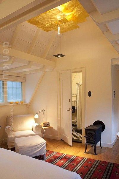 Guesthouse created above garage with separate entrance. Design: DenkRuim interieurconcepten.