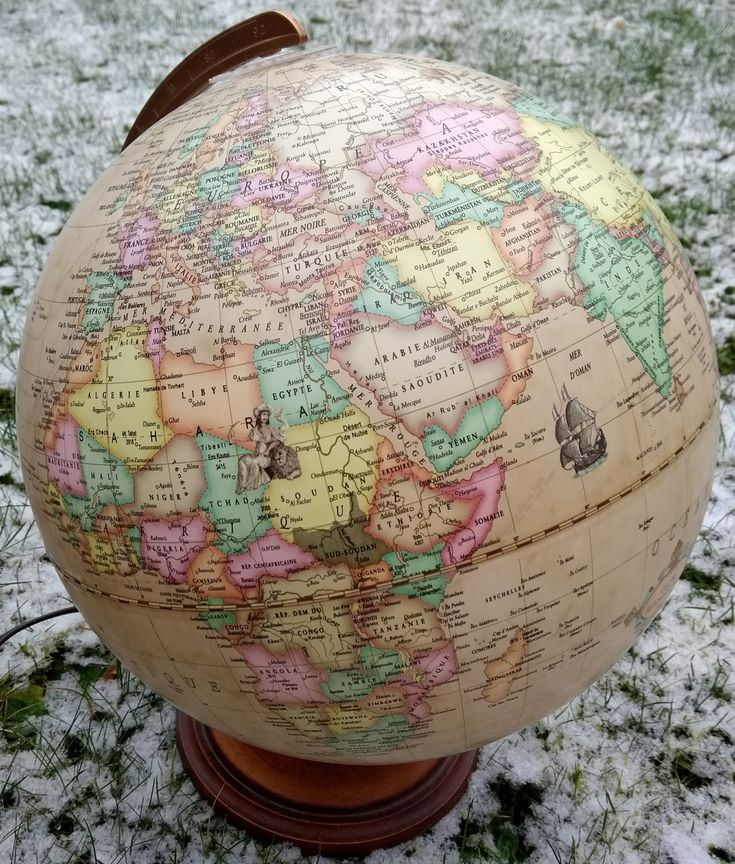 Hi runners, where will be your next race? #running #runners #courseapied #laufen #footing #instarunners #happyrunning #snow #globe #race