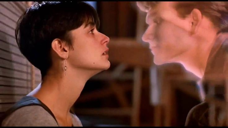 """Unchained Melody"" par The Righteous Brothers. ""Ghost"" film de Jerry Zucker (1990) avec Patrick Swayze et Demi Moore. Musique de Maurice Jarre ."