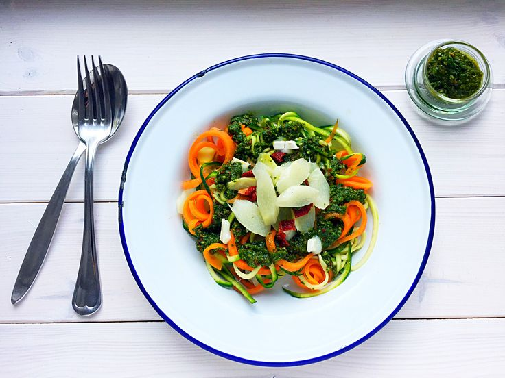 Irma's courgetti & carottini with wild garlic and rocket pesto.  This quick summer dish is the perfect filling for lunch jars, topped with goats cheese crumbles and some sun dried tomatoes a definite winner. Enjoy !
