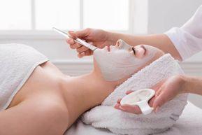 Masque facial pour un effet lifting naturel surprenant. Si vous souhaitez obtenir un effet lifting naturel, sans utiliser de produits cosmétiques coûteux ou de traitements chirurgicaux, vous devriez essayer ce masque facial, rajeunissant et raffermissant.