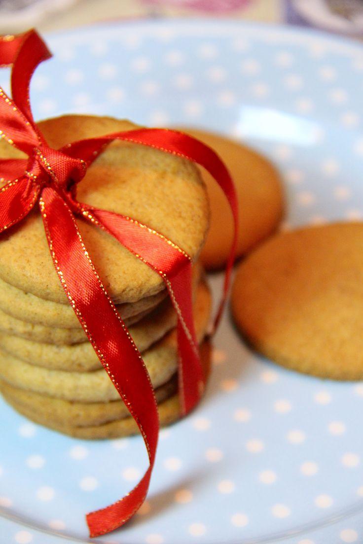 Biscotti Svedesi natalizi Pepparkakor (i biscotti speziati dellIkea)