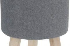 Praktyczny stołek do przedpokoju o miękkim tapicerowanym siedzisku i zabawnych, krótkich nóżkach.