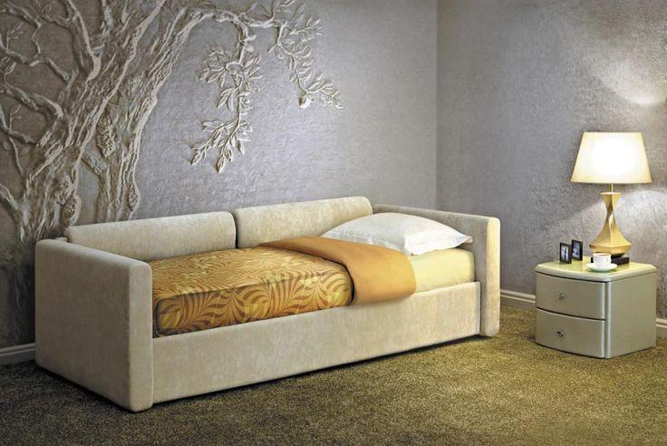 Саар сочетает в себе лучшие качества: стильный дизайн дивана и комфортное ортопедическое спальное место кровати Dream Land, а также наличие вместительного бельевого ящика.