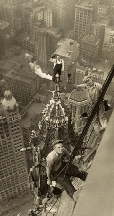 Holy sweet heights! Just looking at this makes me dizzy and anxious. Woolworth Building NY 1926