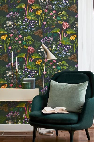 Rabarber-Design by Gocken Jobs.  Gocken Jobs has created a number of plant patterns that are still well known and sought after. This wonderful, lush pattern with rhubarb, dew cup, viola and monkshood is one of her most loved.#herbarium