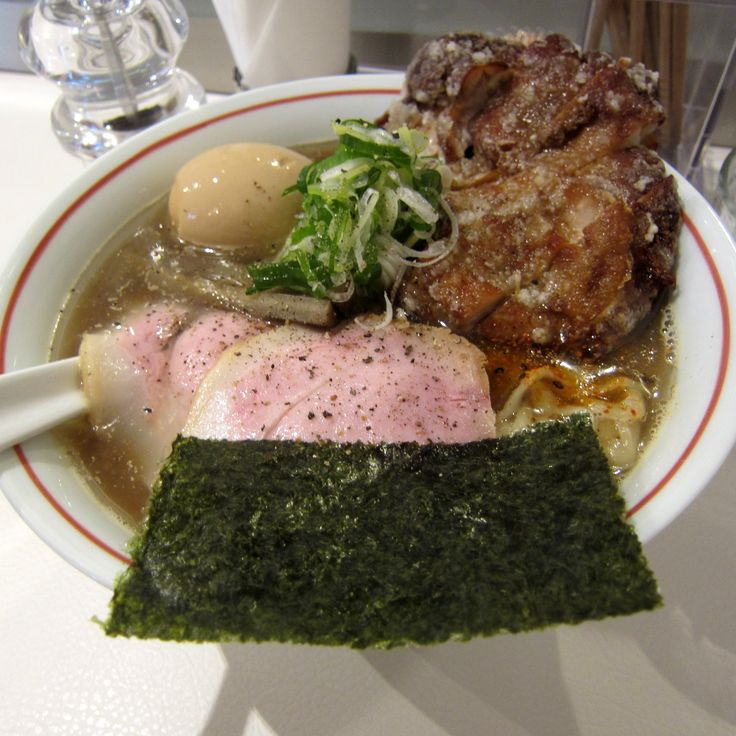 #Ramen #Dried-sardine-broth #Deep-fried-chicken #Thick-noodles #MEN-EIJI(SUGAI-SHOP) #Sapporo #Japan #ラーメン #煮干しラーメン #鶏の唐揚付き #札幌 #麺EIJI(スガイディノス店) #멸치 #라면 😸