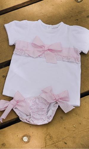 BRAGUITA Y CAMISETA DE BEBE LIBERTY ROSA. Braguita de lycra y camiseta flor liberty rosa,  disponible en tallas 6-12-18 meses. También se confecciona en flor libery azul. Se venden por separado.