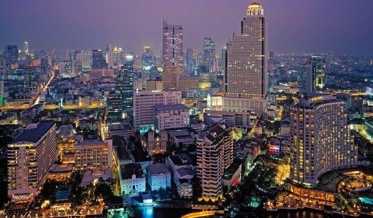 ТаиландЦены в Таиланде — насущный вопрос, который мучает многих туристов, желающих правильно и с умом распорядиться своим бюджетом во время отпуска. По сути, в Таиланде у русского человека есть две основные обязательные категории расходов: еда и жильё.  Скромное жилье со скромным использованием расходных и обычным интернетом обойдется минимум тысяч в семь бат ($215).  На рацион из риса, каши, курицы, мяса, морепродуктов и экзотических фруктов уйдет порядка 6000 бат.