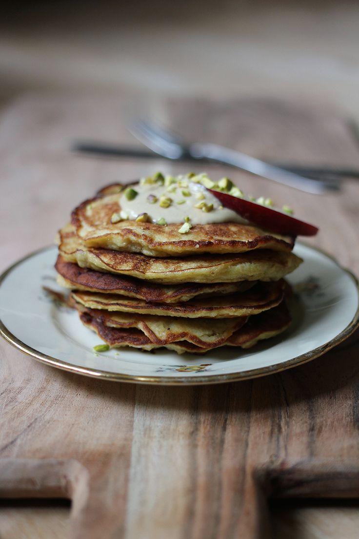 Low carb banana pancakes - yum!