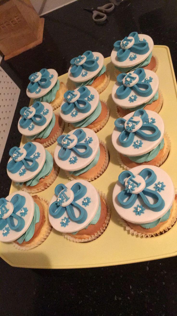 Confirmation cupcakes