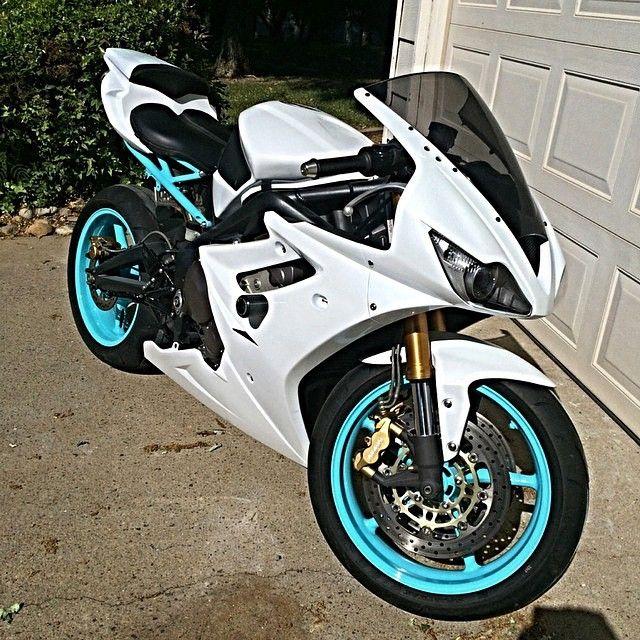 Daytona 675 Via : @Paynetrain675  Checkout his feed riders  #Triumph#Daytona675#chairellbikes4life