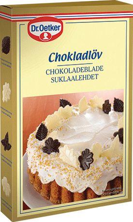 Chokladlöv När löven faller vet man att man älskar... Otroligt vackra och oemotståndligt goda är våra löv och blad av äkta kvalitetschoklad. Varje förpackning består av 24 mörka och 12 vita löv.  Chokladsmaken har rundats av med en pust av äkta vanilj.