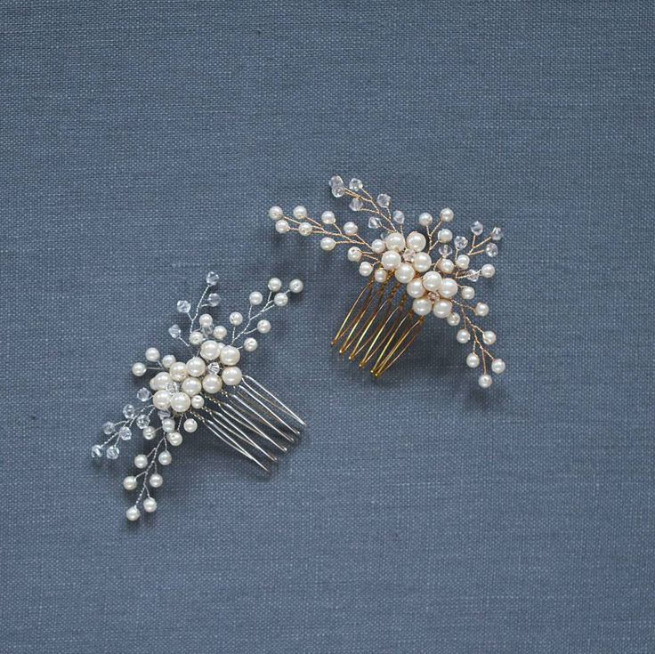 fabulous vancouver wedding The lovely Daphne is available in #gold and #silver. #haircomb #bridalhair #weddinghair by @davieandchiyo  #vancouverwedding #vancouverweddinghair #vancouverwedding