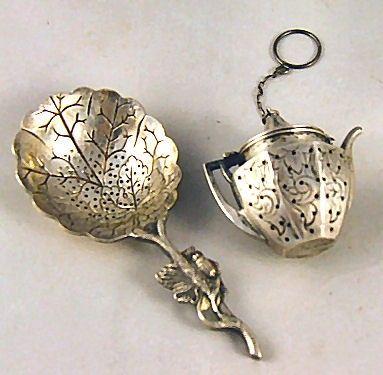 sterling silver tea balls   70: Webster sterling silver engraved kettle shaped tea