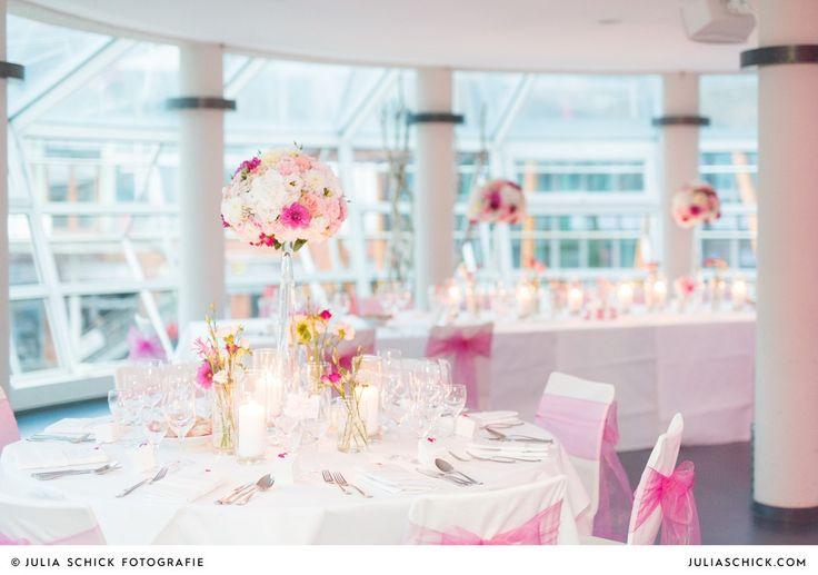 Julia_Schick_Fotografie_Hochzeitsfotografie_kirchliche_Hochzeit_Dyckburgkirche_Muenster_Factory_Hotel_Hochzeitsfeier_Seaside__0069
