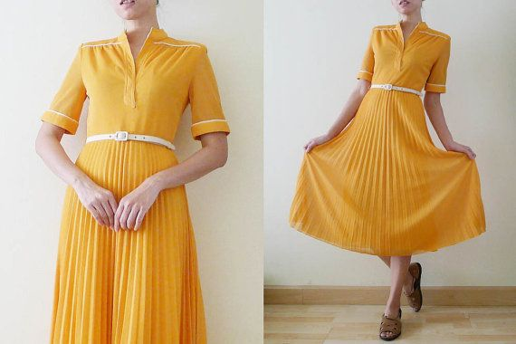 VTG 70's Plain Mustard Yellow Pleated by PureMorningVintage