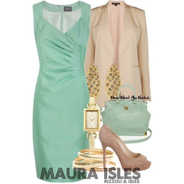 Sasha Alexander as Maura Isles - this is one of my FAVORITE shows. I would so dress like Maura.