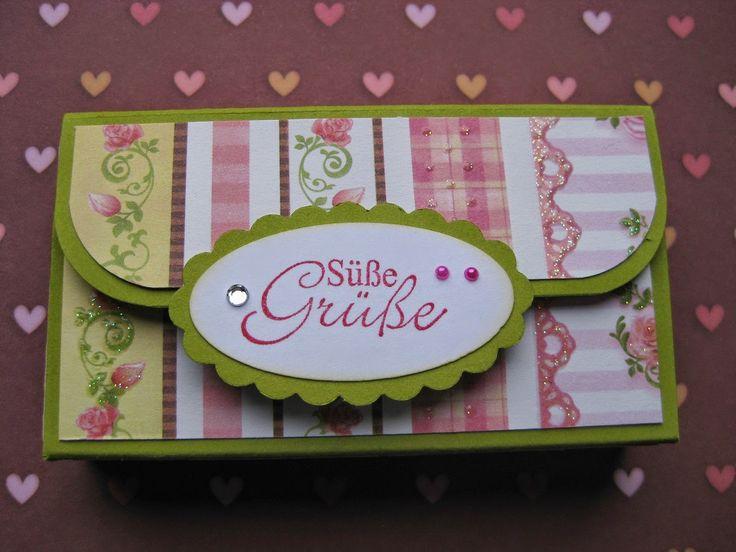 """Zutaten: Cardstock in 15,5 x 17 cm Klettpunktverschluß Stempelabdruck wie z. B. """"Etwas Süßes"""" Motivpapier: 8,5 x 3 cm 8,5 x 1,5 cm ..."""