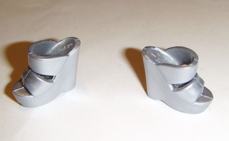 Barbie Dolls Sized Silver Chunky Heels/Shoes for Model Mude Dolls sh267