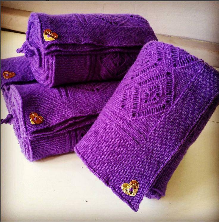 #cashmirina Bertoni #violet #cashmerelace #cashmereshawl #gold #heart #madeinitaly #cashmerelovers