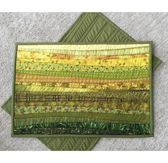 Handmade Green Place Mats Washable Table Mats 13 X 19 In Etsy Tischset Patchwork Kreativ