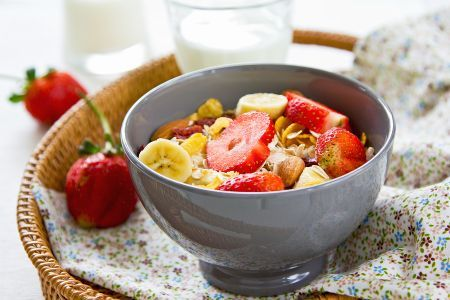 Start your day on a sweet note with this Banana Strawberry oatmeal!  http://www.trimdownclub.com/recipe/banana-strawberry-oats-breakfast-meal-2?vtid2=pntrst&prm2=m12  #Strawberry  #breakfast #oatmeal