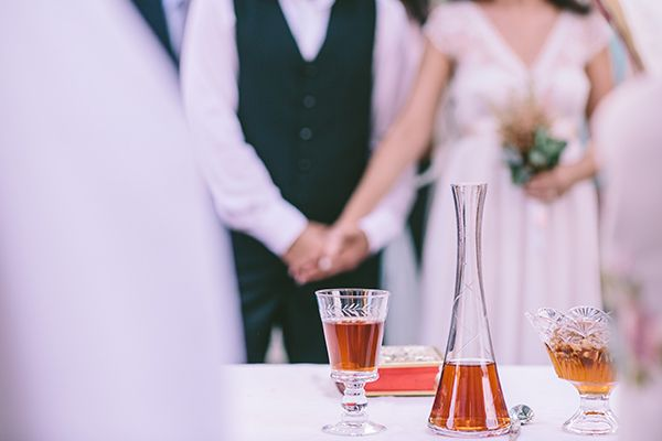 Traditional wedding in Crete see more here http://www.love4weddings.gr/romantic-wedding-in-crete/ Photography by George Pahountis  #crete #destinationwedding #weddingsingreece #gamos