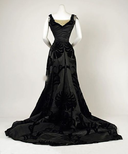 Late Victorian Evening gown - House of Worth 1898-1900