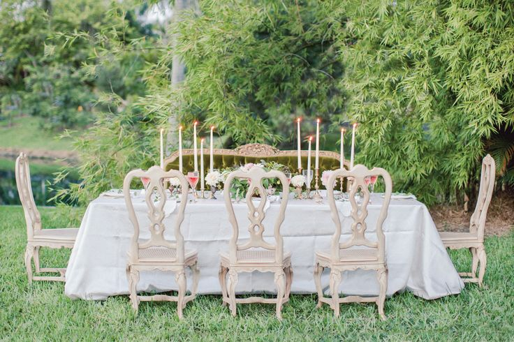 Gorgeous vintage-inspired wedding table