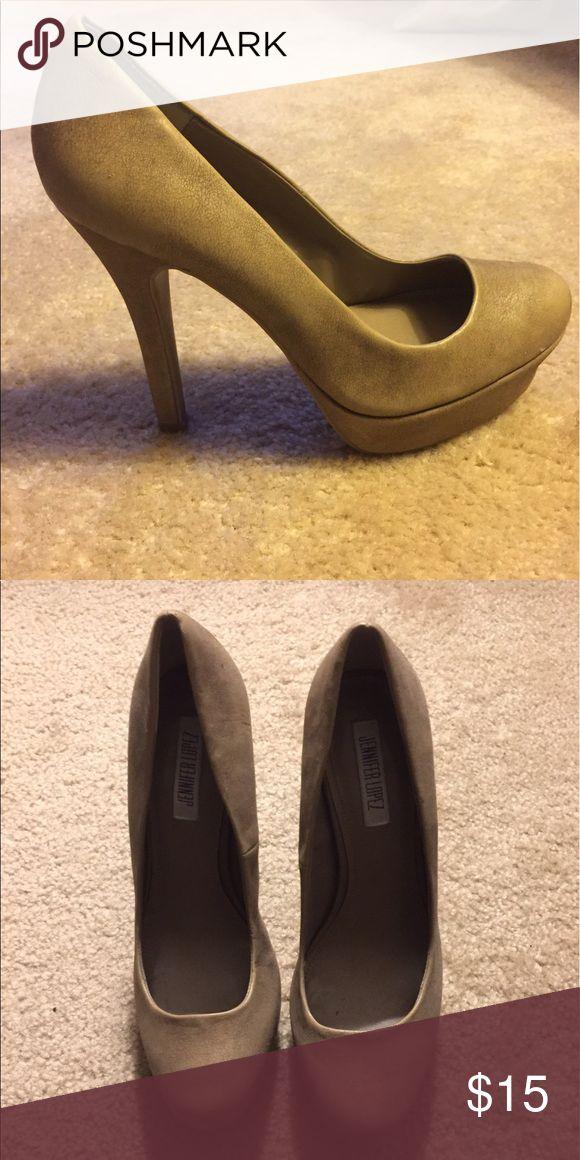 Jennifer Lopez Neutral Pumps Never worn--neutral/tan color Jennifer Lopez Shoes Heels