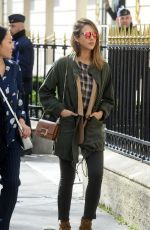 Jessica Alba was pictured as she cuts a laid back for shopping trip at Saint Laurent store http://celebs-life.com/jessica-alba-pictured-cuts-laid-back-shopping-trip-saint-laurent-store/  #jessicaalba