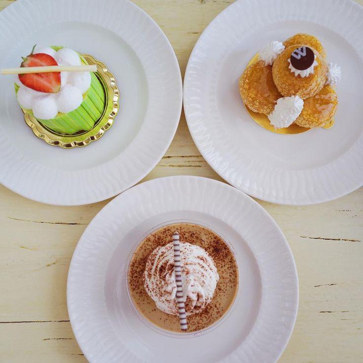 Our last batch from #muliadeli Strawberry Cheese Cake Caramel Gateau St. Honore Café Liegoise #EscapetoMulia #muliaresortbali #cakes @liahanychester @sien_hwat @chrysaleayuarta