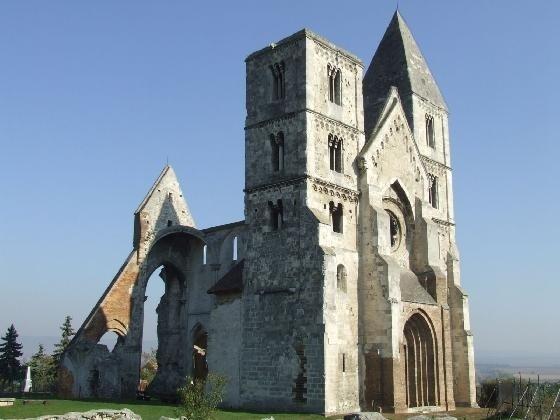 The romanesque church in ruins - Zsambek