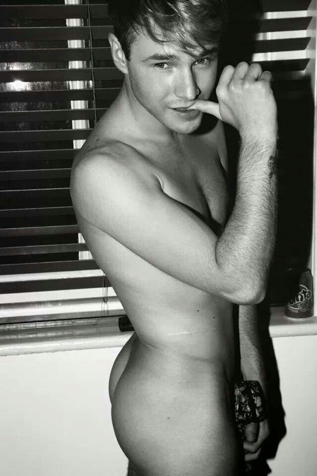 Sexy Nude Lloyd Daniels Totally Gorgeous Arse Sexy Male Celebrities Lloyd Daniels Hot Guys Guys