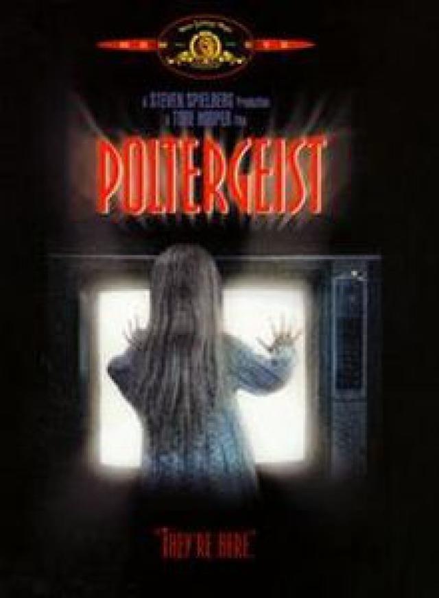 20 Family-Friendly Horror Films Everyone Can Enjoy: Poltergeist (1982)