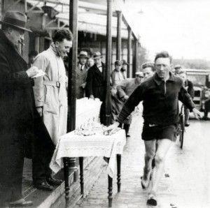 Henri Landheer was de beste Nederlandse hardloper op de eerste Olympische spelen in Nederland. Hij won geen medailles, maar werd 30e. Komt uit Veendam