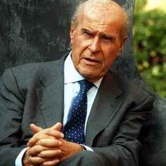 L'elenco dei cibi consigliati da Umberto Veronesi per combattere il cancro Umberto Veronesi ci ha lasciato in eredità anche una fondamentale dieta anticancro. Che vi sia una c umberto veronesi cancro dieta