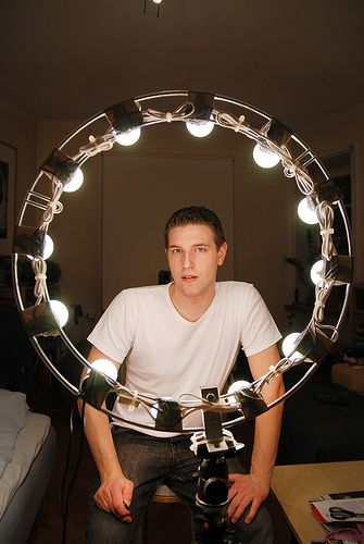 DIY light ring light for photography.