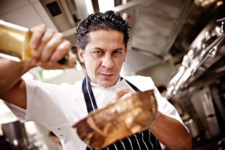 L'intervista allo Chef Francesco Mazzei proprietario del Ristorante L'Anima a Londra. http://www.toplook.it/2014/12/28/l-anima-dello-chef-francesco-mazzei-630