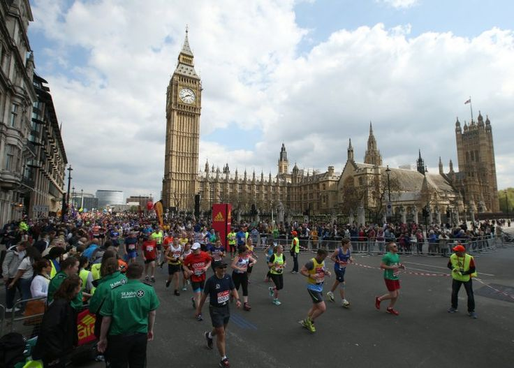 A record 386,050 people have applied to run in next year's London Marathon The winners of the ballot to run in the marathon will find out in the next few days.