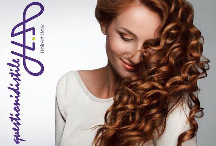 Lo sapevi che anche i CAPELLI INVECCHIANO? Per proteggerli puoi migliorare la tua ALIMENTAZIONE (più salmone, noci e verdure verdi) e puoi provare gli integratori di BIOTINA. E per evitare che si diradino prova a fare la RIGA in modo diverso (magari a ZIG ZAG). Se i tuoi #capelli sono più sani tu ti senti più bella! #questionidistile #hairartitaly