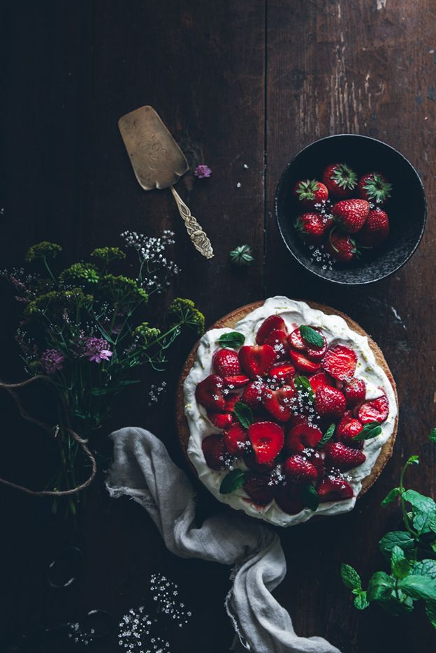 Fluffy sponge cake with balsamic strawberries Food photography, food styling