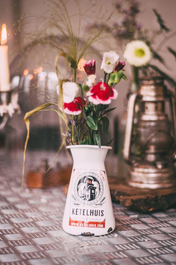 Bovenruimte / Fresh Flowers / Het Ketelhuis / Old factory / Stickeren / www.ketelhuis.com / Photo by: Miss Lalamoure