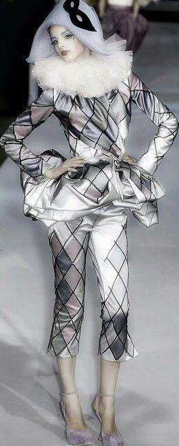 Dior - Inspiration du costume d'arlequin, Pierrot
