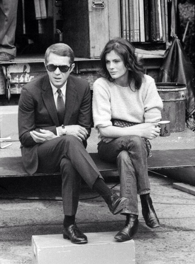 Steve McQueen y Jacqueline Bisset fotografiados por Barry Feinstein en el set de 'Bullitt', 1968