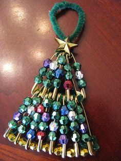 Christmas tree from pins and beads tutorial