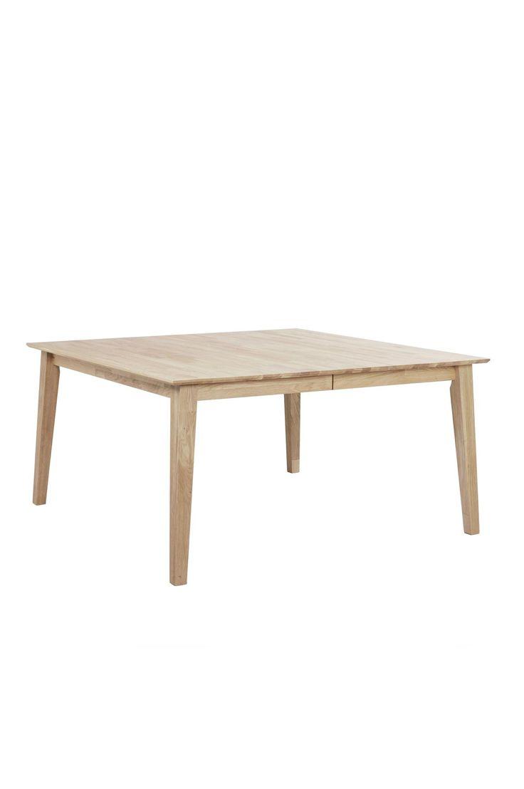 """Ett modernt skandinaviskt bord som passar i de flesta hem. Massiv fingerskarvad europeisk vit betsad ek. 1 st iläggsskiva á 45 cm ingår. Levereras omonterad. Längd 145, bredd 145, höjd 74 cm. Behandlas med vit olja. Vikt 65 kg. Läs om fraktavgiften under fliken """"Leverans""""."""