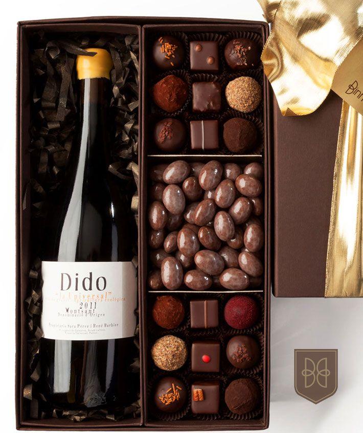 La Caja Gourmet. Elige tu botella favorita de nuestra selección de tinto,oporto o champagne y acompáñala con una deliciosa variedad de truffas y dragées.
